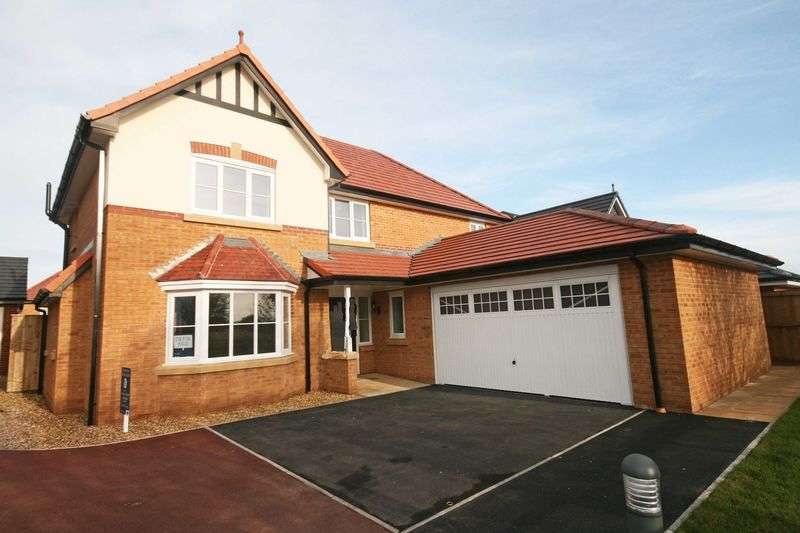4 Bedrooms Detached House for sale in Jubilee Gardens, Staining