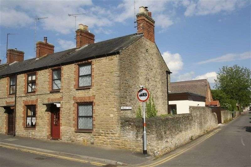 3 Bedrooms Terraced House for sale in Manor Road, Brackley