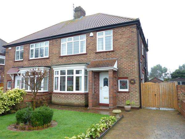 3 Bedrooms Semi Detached House for sale in QUEEN MARY AVENUE, CLEETHORPES