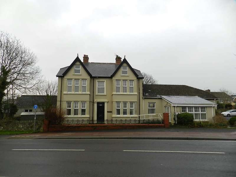 5 Bedrooms Detached House for sale in Wintern Day Centre, High Street, Fishguard, Pembrokeshire