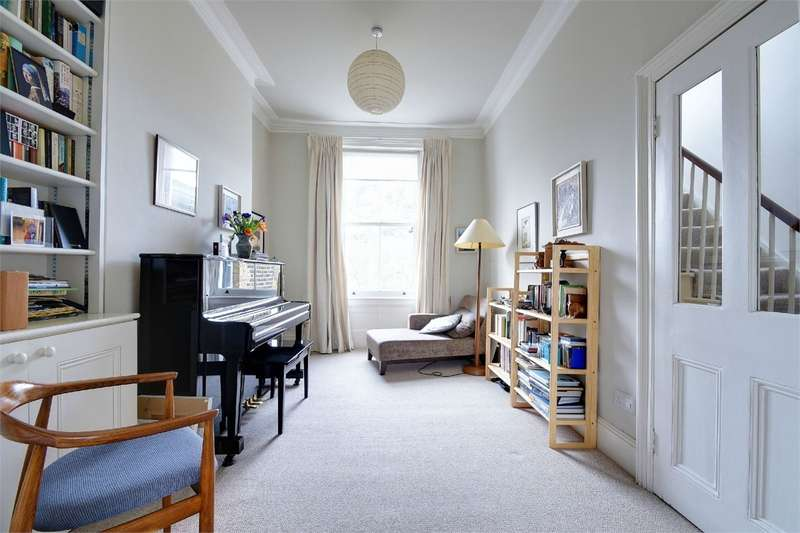 3 Bedrooms Semi Detached House for sale in Eastern Road, East Finchley, London