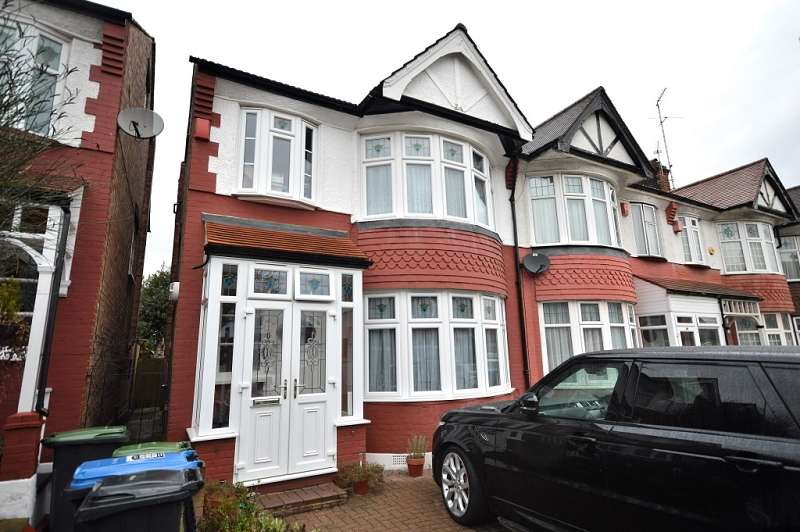4 Bedrooms End Of Terrace House for sale in Huxley Place, Palmers Green, London. N13