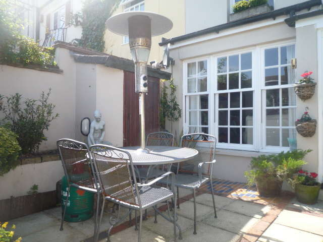 2 Bedrooms Cottage House for rent in New Dorset Street, Brighton