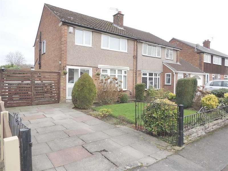 3 Bedrooms Property for sale in Birch Tree Avenue, Hazel Grove, Stockport