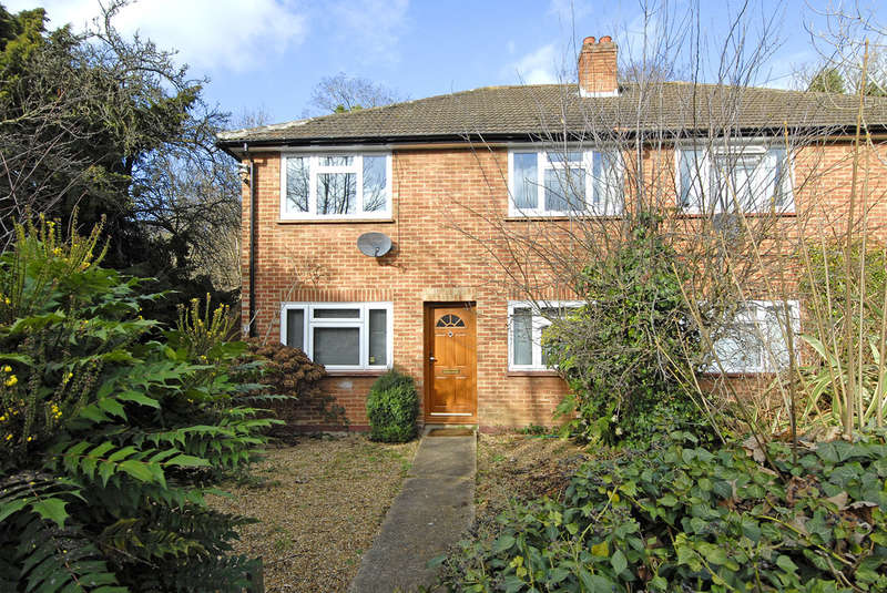 2 Bedrooms Detached House for sale in Tower Close Penge