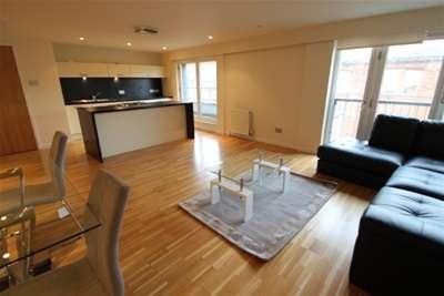 2 Bedrooms Flat for rent in High Street, MERCHANT CITY