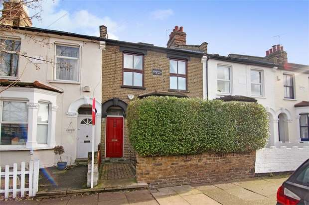 3 Bedrooms Terraced House for sale in Chestnut Avenue South, Walthamstow, London