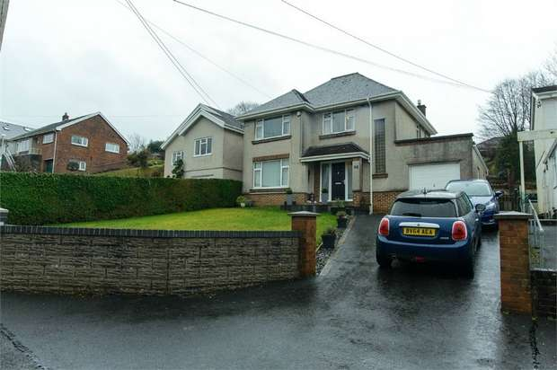 3 Bedrooms Detached House for sale in Pontamman Road, Ammanford, Carmarthenshire