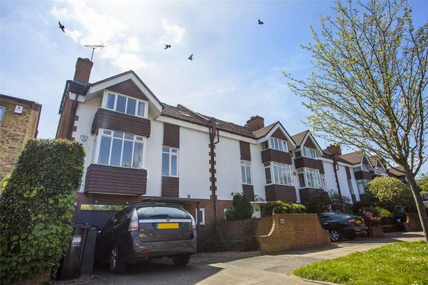 4 Bedrooms End Of Terrace House for sale in Braid Court, Lawford Road, Chiswick