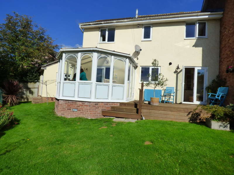 4 Bedrooms Semi Detached House for sale in Bullands Close, Bovey Tracey