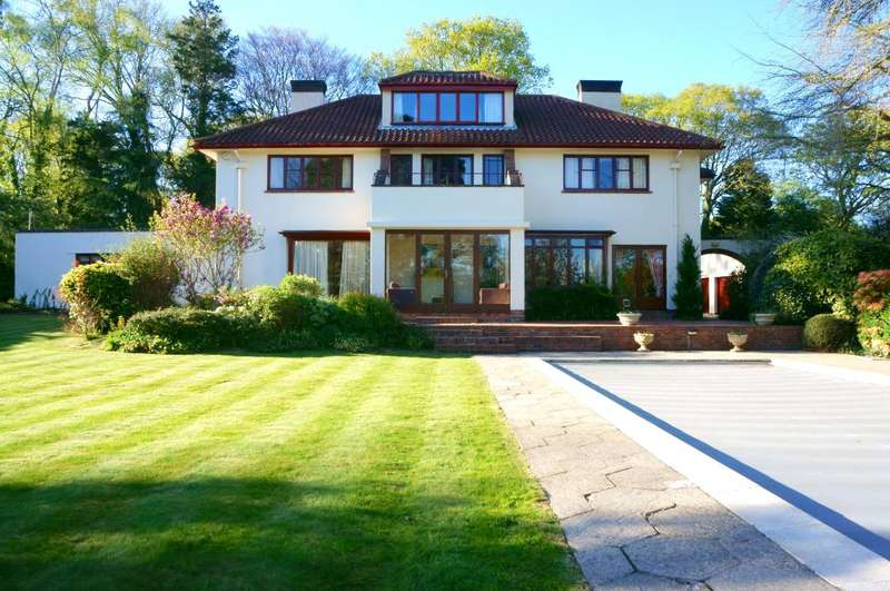 5 Bedrooms Detached House for sale in NEW FOREST, Ringwood, BH24 3HH