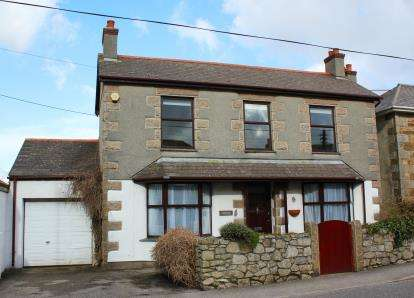 5 Bedrooms Detached House for sale in Redruth, Cornwall