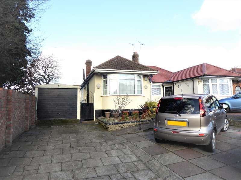 2 Bedrooms Semi Detached Bungalow for sale in Carlton Road, Northumberland Heath, Kent, DA8 1DS