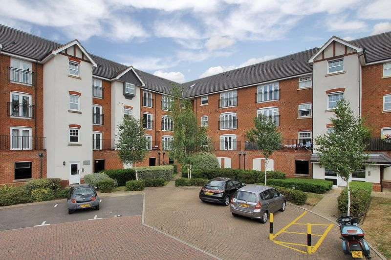 2 Bedrooms Flat for sale in Woodfield Road, Crawley