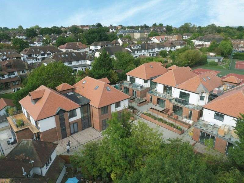 3 Bedrooms Flat for sale in 2 Belgravia Lodge, Eden Lodges, Chigwell