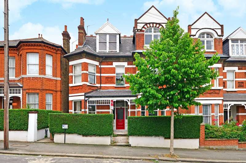 2 Bedrooms Flat for sale in Holmdene Avenue, Herne Hill, SE24