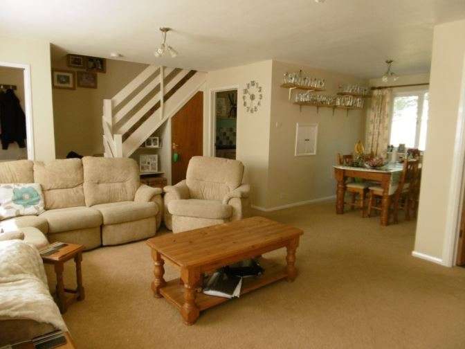 3 Bedrooms End Of Terrace House for sale in Wear Road, Bicester, OX26 2FE