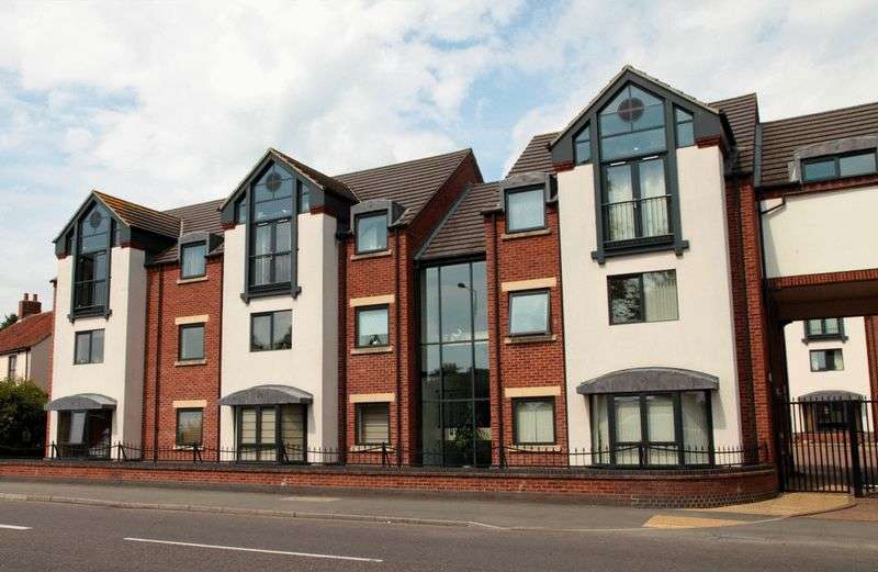 3 Bedrooms Flat for sale in Parkview Apartments, North Hykeham, Lincoln