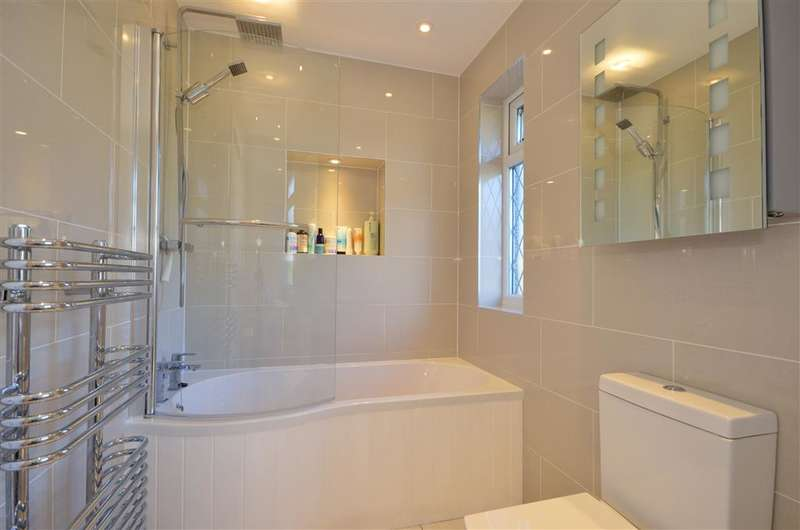 3 Bedrooms Semi Detached House for sale in Brocket Way, Chigwell, Essex