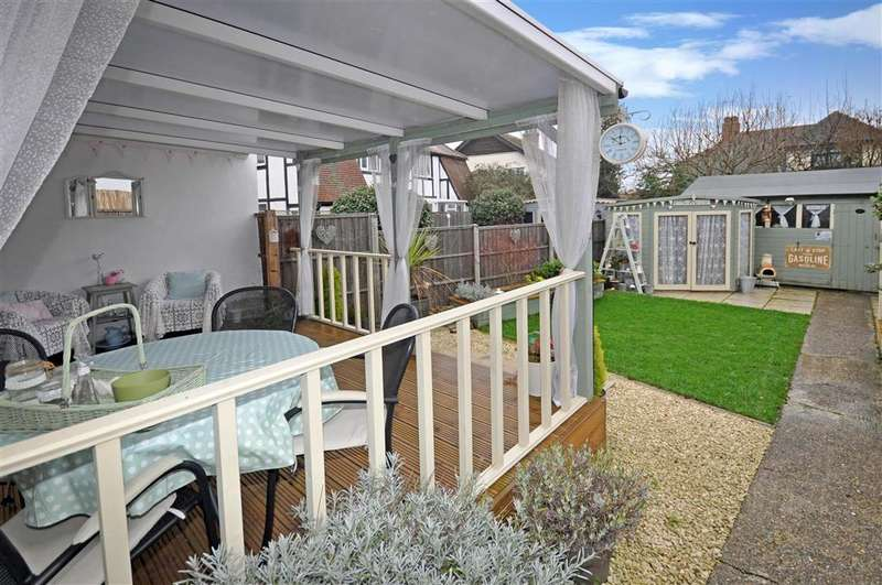 3 Bedrooms Semi Detached House for sale in Fernlea Avenue, Herne Bay, Kent