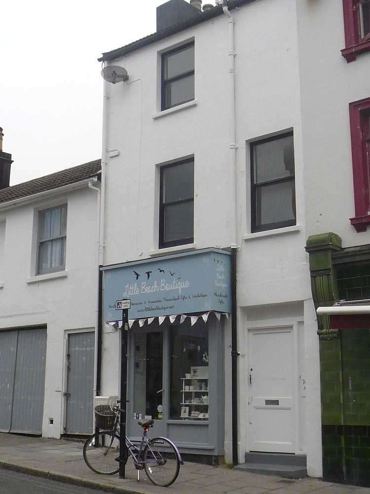 2 Bedrooms Flat for rent in A, North Road, Brighton