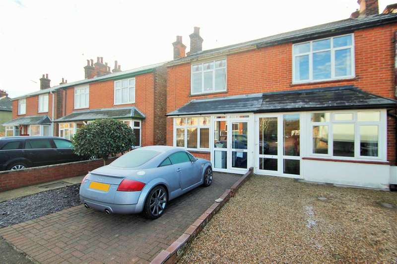 3 Bedrooms Semi Detached House for sale in Mill Road, Mile End, Colchester