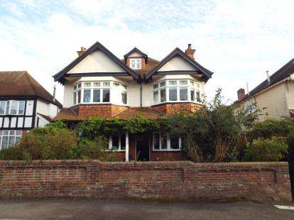 6 Bedrooms Detached House for sale in Highfield, Southampton, Hampshire