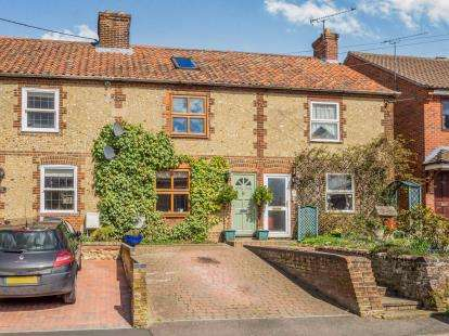 3 Bedrooms Terraced House for sale in Fakenham, Norfolk