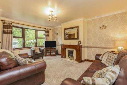 4 Bedrooms Semi Detached House for sale in Goosefoot Close, Samlesbury, Preston, Lancashire, PR5