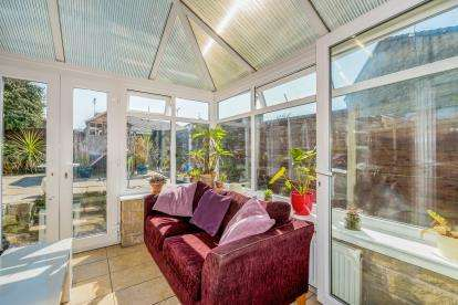 3 Bedrooms Semi Detached House for sale in The Ferns, Bacup, Rossendale, Lancashire, OL13