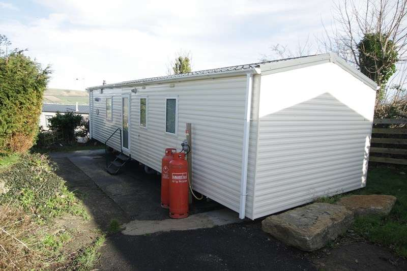 2 Bedrooms Caravan Mobile Home for sale in Popular Caravan Park