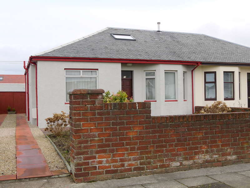 4 Bedrooms Semi Detached Bungalow for sale in Crawford Avenue, Prestwick, KA9
