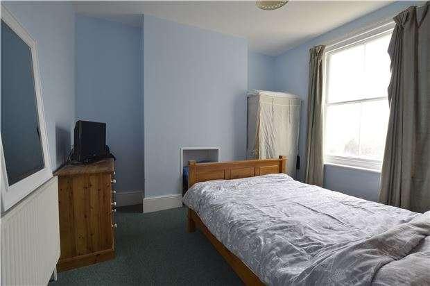 2 Bedrooms Flat for sale in Hughenden Road, TN34 3TF