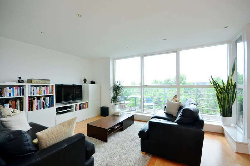 2 Bedrooms Flat for sale in Baltic Quay, Canada Water, SE16