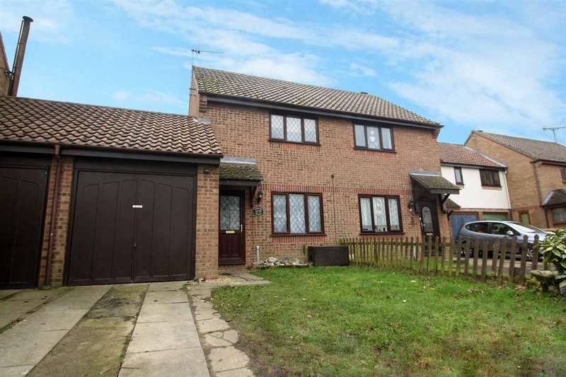 2 Bedrooms Terraced House for sale in Remercie Road, Mistley