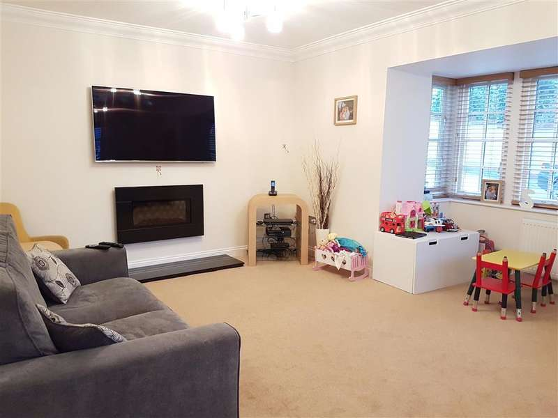 4 Bedrooms Detached House for sale in Prower Close, Billericay, Essex