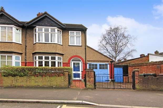 3 Bedrooms End Of Terrace House for sale in Grove Road, Walthamstow, London