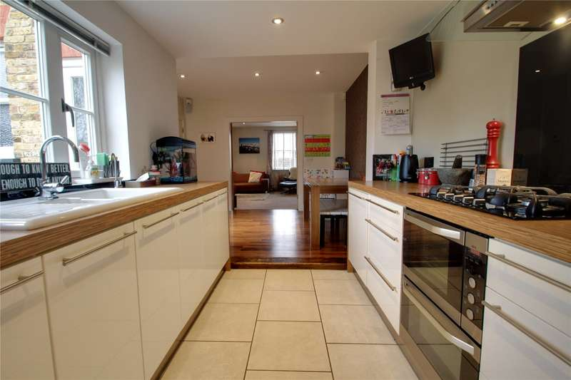 3 Bedrooms Semi Detached House for sale in St. Anns Road, Chertsey, Surrey, KT16