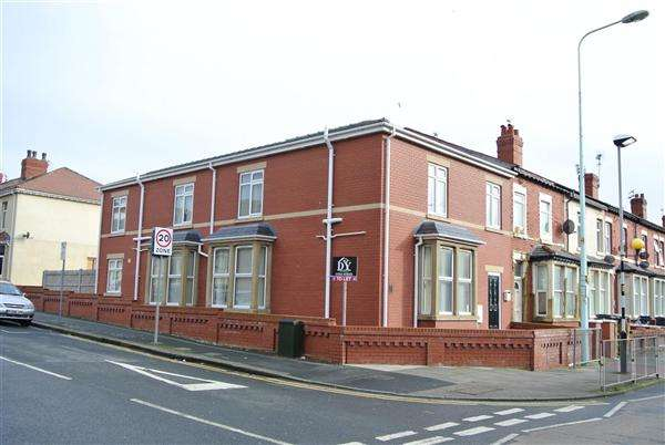 6 Bedrooms Property for sale in Grasmere Road, Blackpool