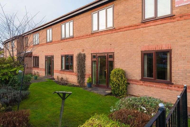 1 Bedroom Flat for sale in Oulton Court, Warrington