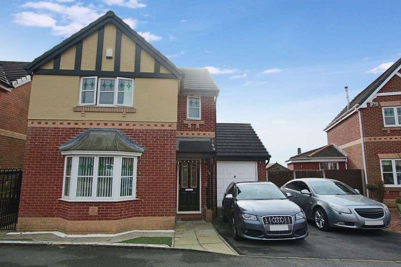 3 Bedrooms Property for sale in Tarnside Close, Rochdale OL16 2QD