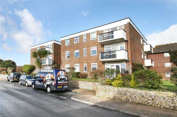 2 Bedrooms Apartment Flat for sale in Marigolds Lodge, Holmes Lane, Rustington, West Sussex, BN16