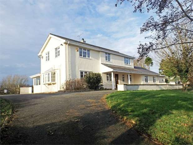 5 Bedrooms Detached House for sale in Llanddeusant, Holyhead, Anglesey