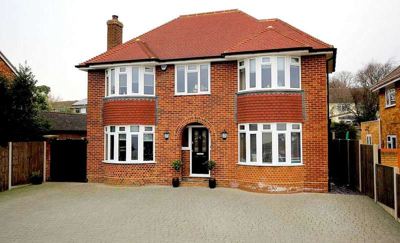 4 Bedrooms Detached House for sale in 4 BED OVER 1700 SQ FT IN Crouchfield, Boxmoor, HP1