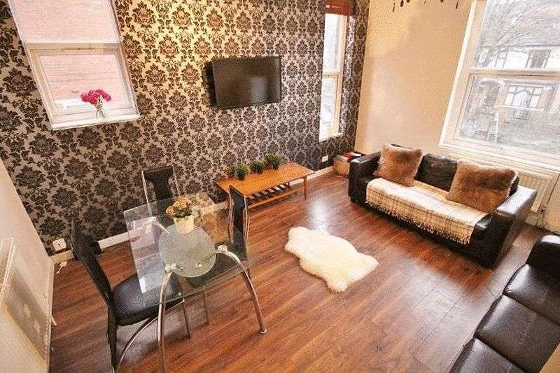 6 Bedrooms Flat for rent in Cardigan Road, Leeds