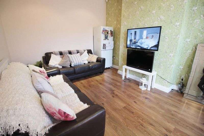6 Bedrooms Terraced House for rent in Trelawn Street, Leeds
