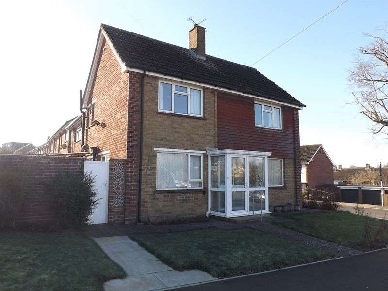 3 Bedrooms Terraced House for sale in St Johns Road, Yeovil