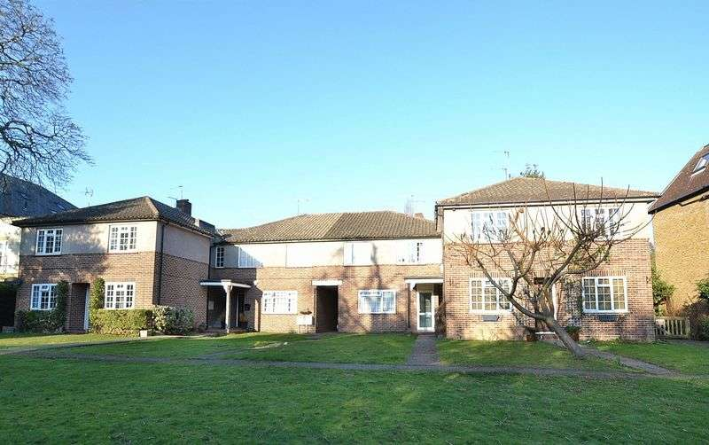2 Bedrooms Flat for sale in Beckenham Grove, Bromley