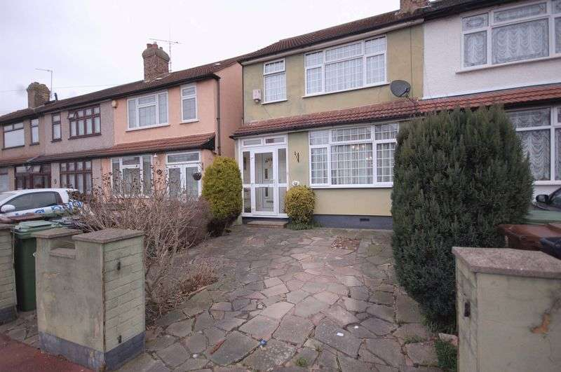 2 Bedrooms Semi Detached House for sale in Western Avenue, Dagenham