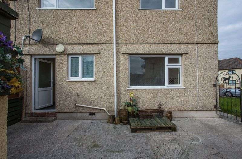 3 Bedrooms Semi Detached House for sale in Maes Golau, Llanelli